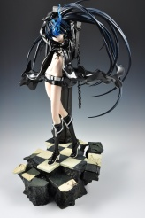 figyura_review_007_black_rock_shooter_360_02