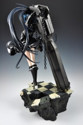 figyura_review_007_black_rock_shooter_360_04