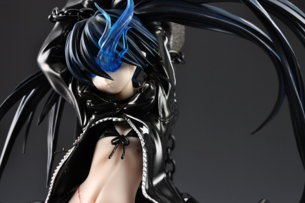 figyura_review_007_black_rock_shooter_wide_01