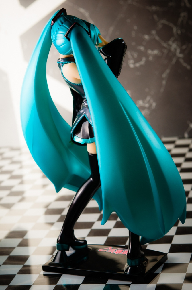 1/6 scale Hatsune Miku PVC figure by Volks (#9)