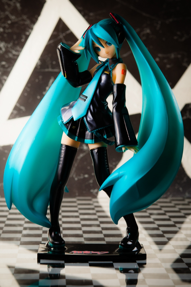 1/6 scale Hatsune Miku PVC figure by Volks (#20)